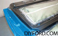 [How to Apply Stripes and Polish Your Mustang - Restoration Guide] 4