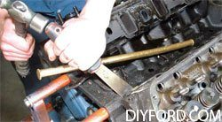 [Small-Block Ford Ultimate Disassembly Guide]008