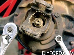 Ford 9 Inch Axle Disassembly: Third Member and Pinion Cartridge Removal 02