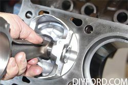 Ford Big Block: Step by Step Rod and Piston Installation Guide 03