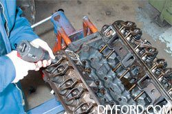 [Small-Block Ford Ultimate Disassembly Guide]07