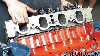 [How to Choose Heads for Your Small-Block Ford Rebuild]09