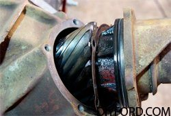 Ford 9 Inch Axle Disassembly: Third Member and Pinion Cartridge Removal 002