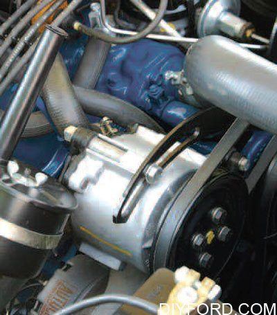 Ford Small-Block Engine Interchange: Induction System 25