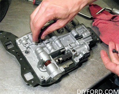 How to Install Shift Kits for Ford C6 Transmissions: Step by Step 1