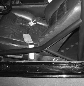 Vince Asaro put a lot of thought into installing these door bars. They match his seat angles and the downward bend is backed up with another bar for triangulation.