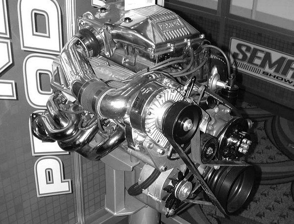 Paxton Automotive has redesigned its fabled 1964-1968 carbureted blow-through street supercharger kit for 260/289/302W small-block Ford engines and the 1969 351W Mustangs (available in either passenger-side or driver-side applications). This was done as a tribute to the limited-production Paxton supercharged Shelby GT 350 Mustangs. The company's new gear-driven Novi 1200 is used as the centerpiece.